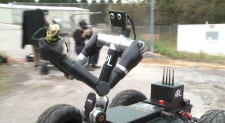 john-hopkins-bomb-disposal-robot-5