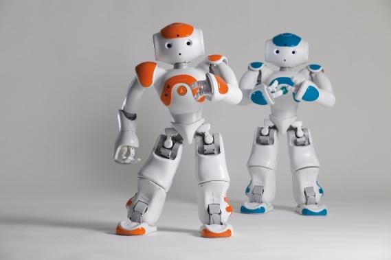 Ex Ed Alcock à Paris +33 6 16 89 95 43 Caption: The humanoid robot NAO. Photo by Ed Alcock for Aldebaran Robotics Photo (c) Ed Alcock 21/11/2011 Droits de reproduction (voir note d'auteur EA-021111-FR). Renouvellement des droits prévu pendant six mois à
