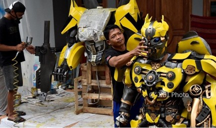 kostum-robot-2