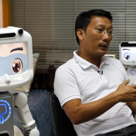 dinsow-robot-thailand-2016-2